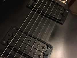 Jackson JS22-7 Dinky with Seymour Duncan Alpha and Omega humbuckers